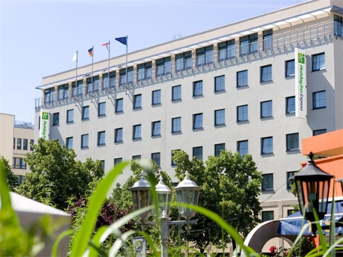 Holiday Inn Express Berlin City Centre - Hotelansicht