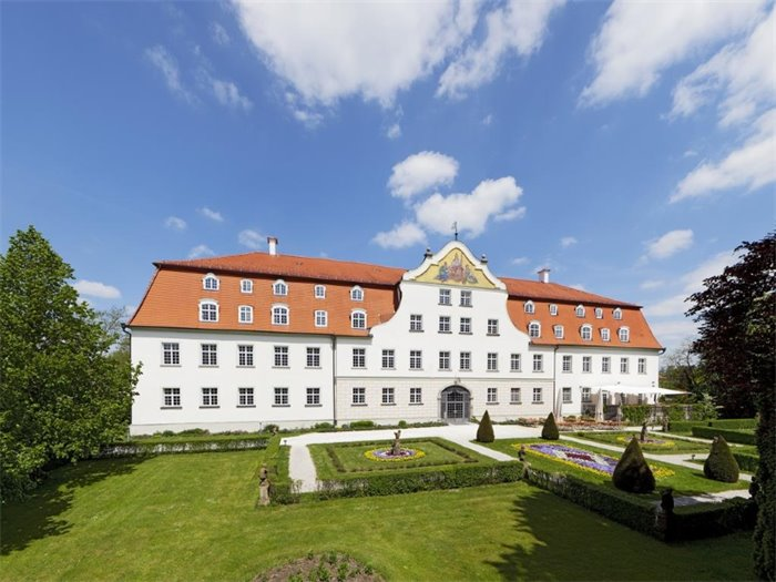 Management Centrum Schloss Lautrach - Hotelansicht